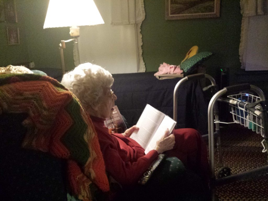 elderly-lady-reading